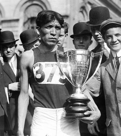 Lewis Tewanima, Hopi distance runner